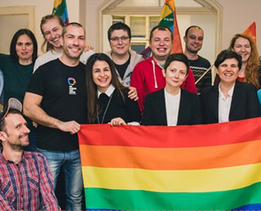 DEYSTVIE Community Center Rainbow Hub